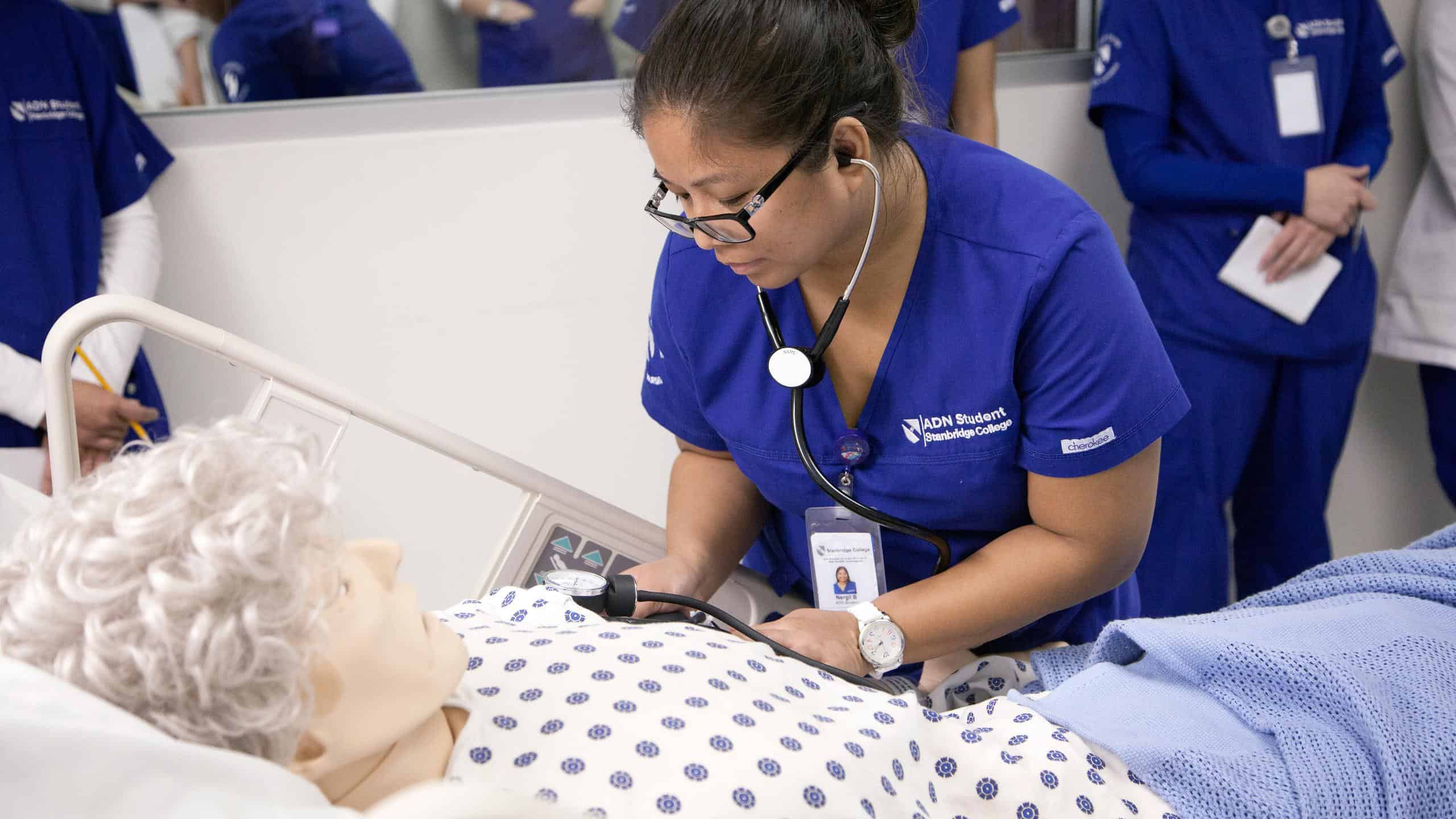 associate degree in nursing Associate degrees are an excellent choice for any students seeking new pathways after graduating from secondary education contact schools directly and associate degrees in nursing 2018/2019.